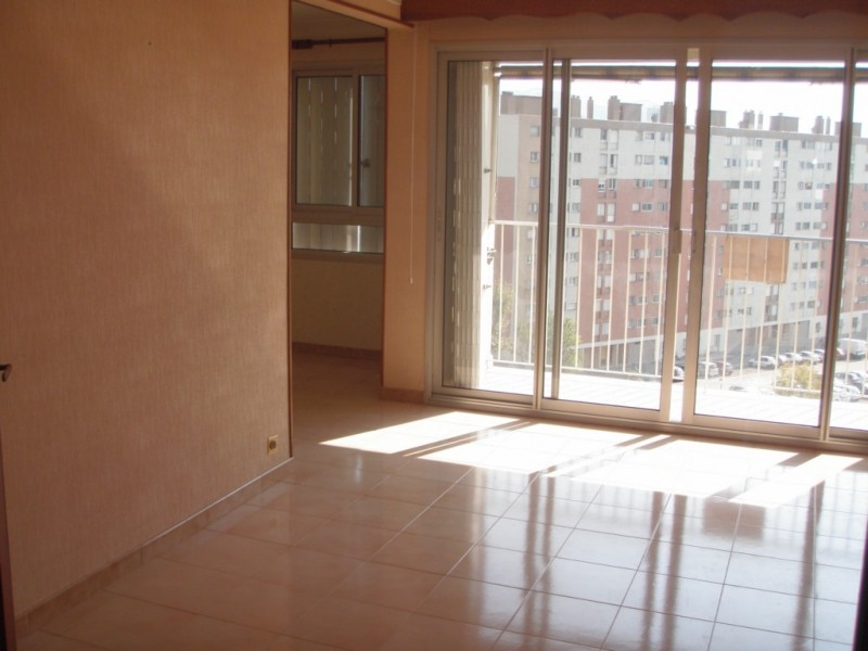 Locations locations appartement t3 4 f3 4 marseille 13011 for Agence immobiliere 13011